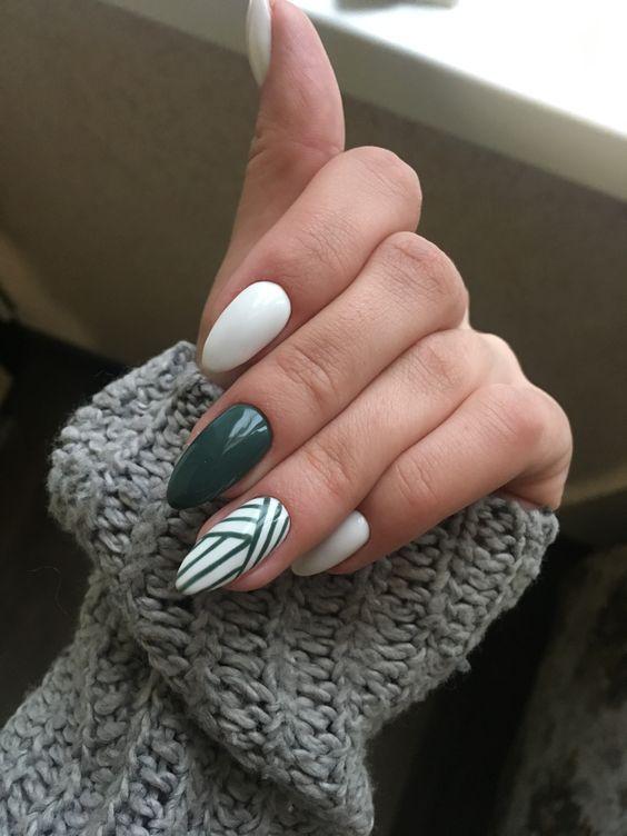 34 Emerald Green Nails