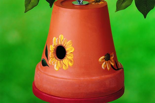38 Clay Pot DIY Birdhouse