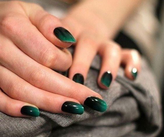 40 Emerald Green Nails