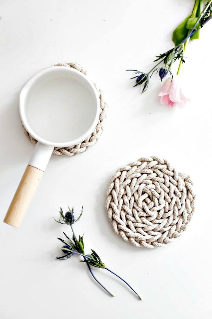 49 Easy DIY Finger Knit Rope Trivet Tutorial