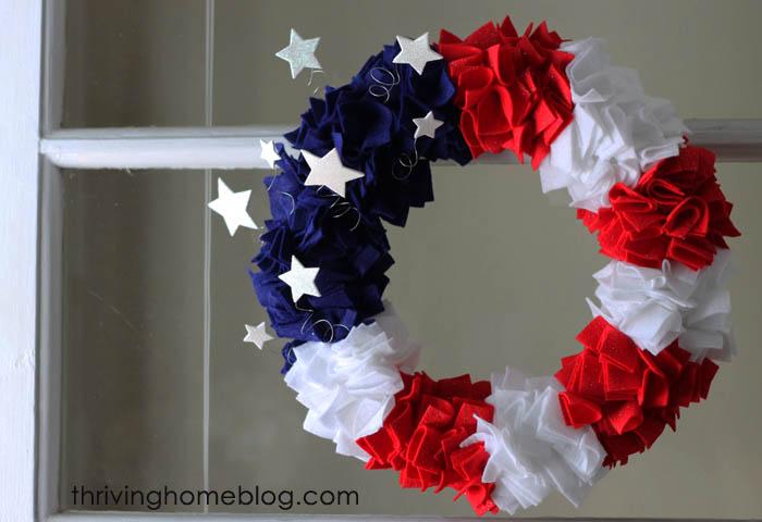 6 4th of July Felt Wreath