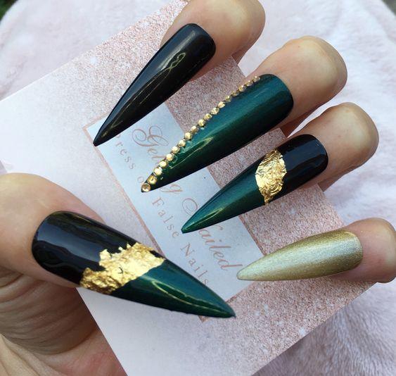 6 Emerald Green Nails