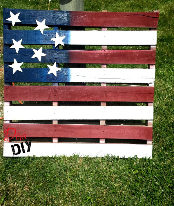 7 American Flag Pallet Decoration