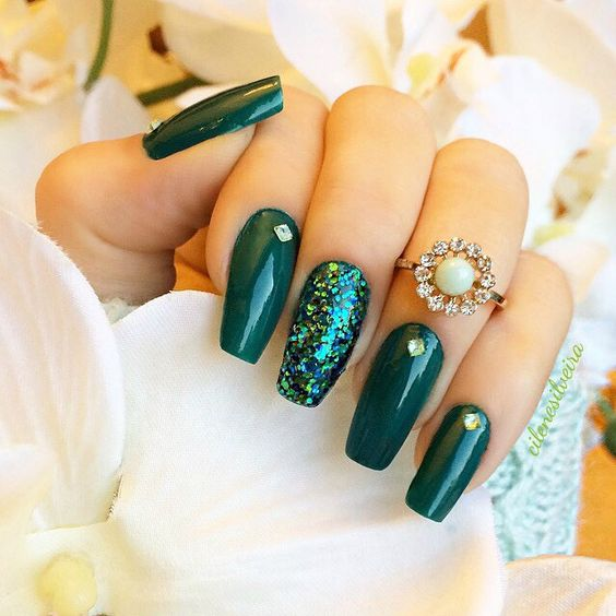 7 Emerald Green Nails