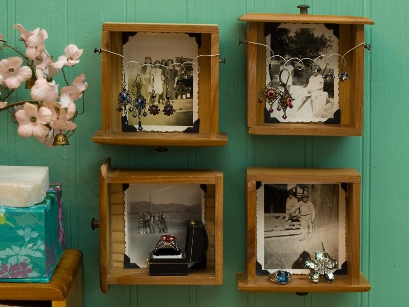 8 Picture Frames from Old Drawers