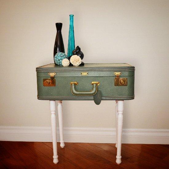 1 Vintage Suitcase Table