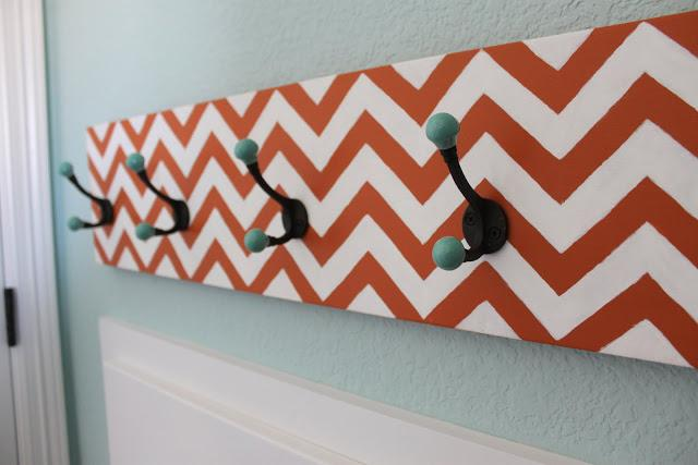 10 Chevron Hook Rack