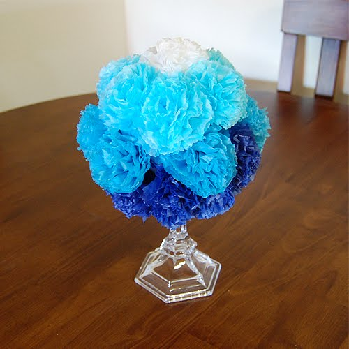 10 Ombre Centerpiece Made From Tissue Paper Pom Poms