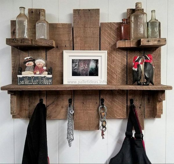 11 Pallets Coat Rack