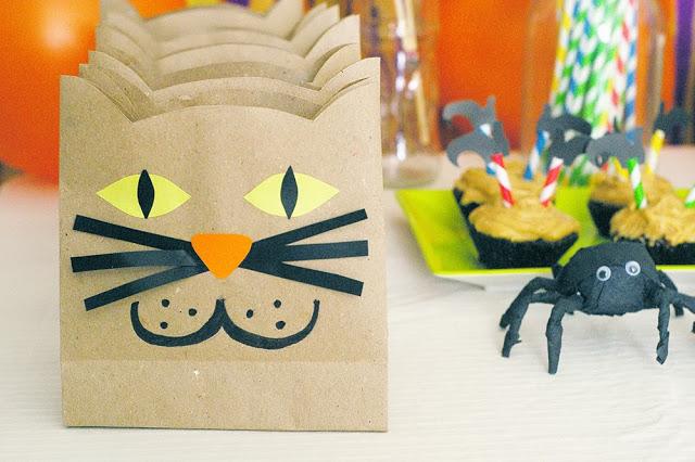 12 Halloween Cat Paper bags