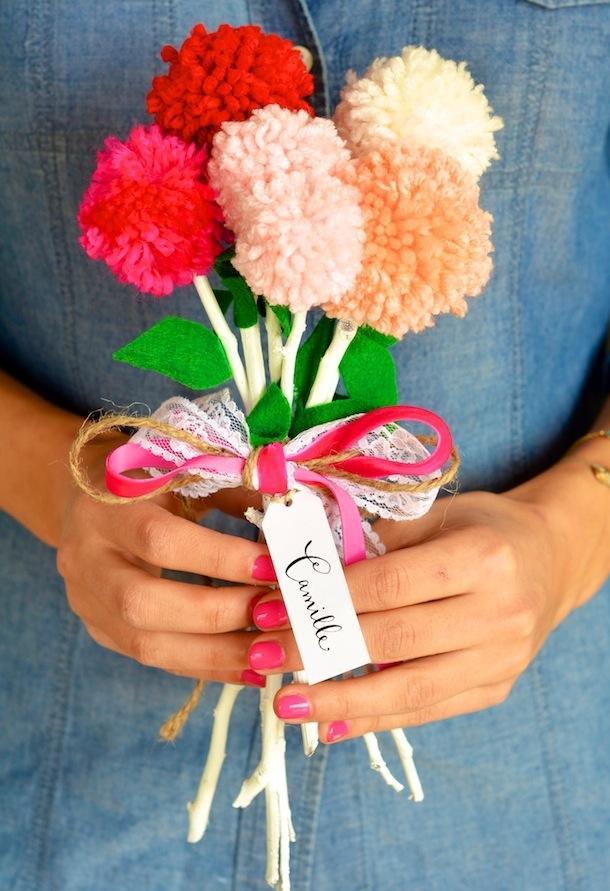 16 DIY Valentines Pom Pom Bouquet