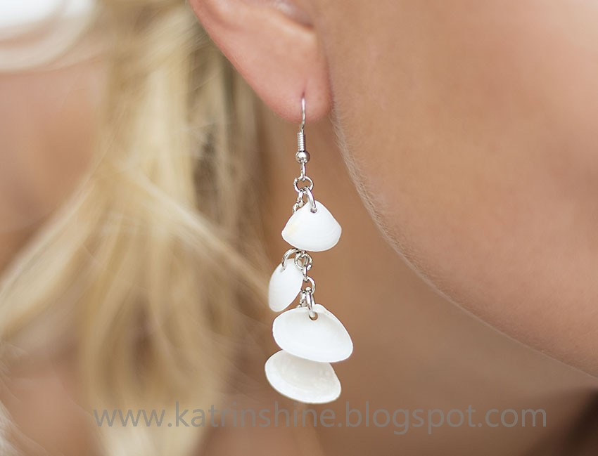 2 Dangling Seashell Earrings