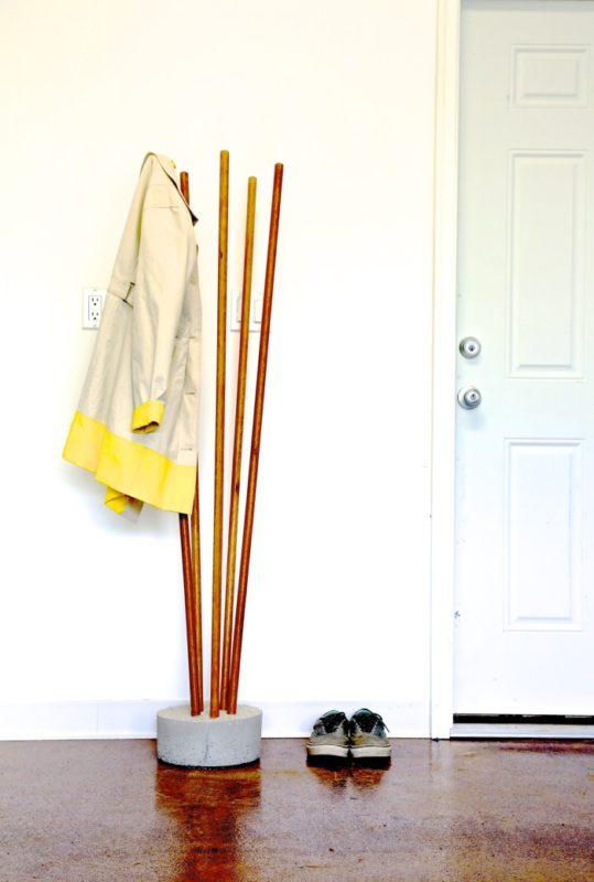 25 Broomstick Coat Rack
