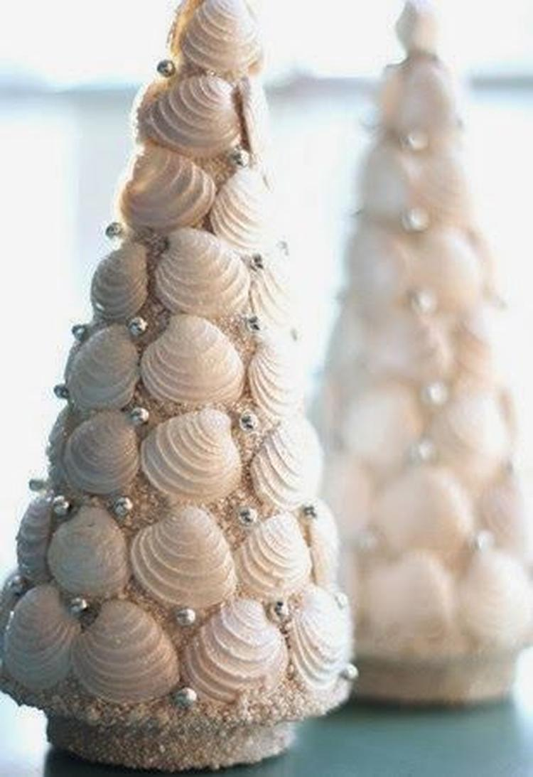 25 Seashell Christmas Tree