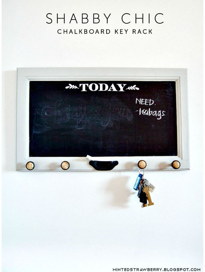 27 DIY Shabby Chic Chalkboard Key Rack