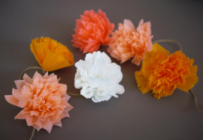 4 Make These Colorful Crepe Paper Pom Pom Garlands