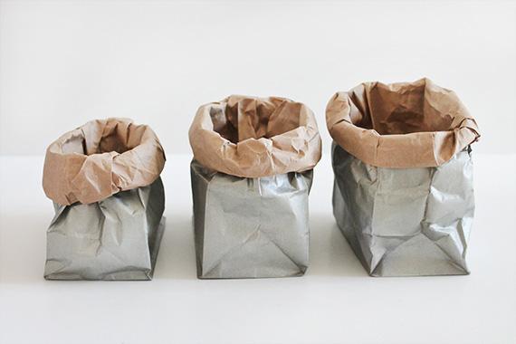 5 metallic sacks