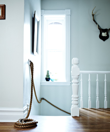 8 DIY Nautical Rope Railing