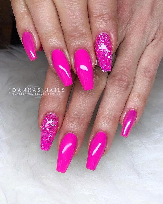 10 Pink Coffin Nail Designs