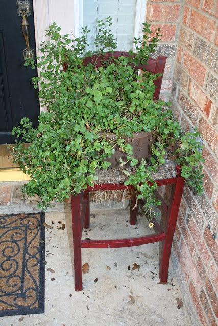 10 Turn an Old Chair Into a Planter