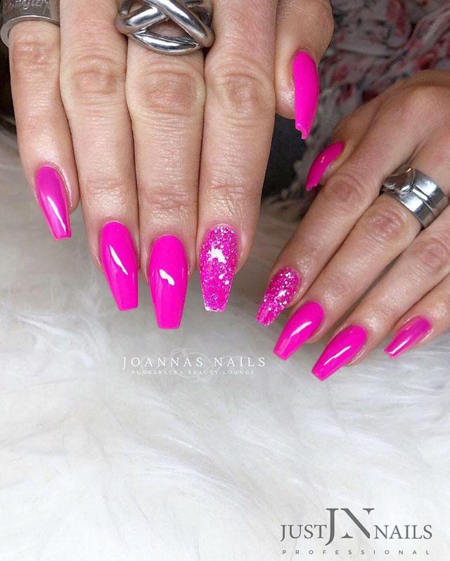 11 Pink Coffin Nail Designs