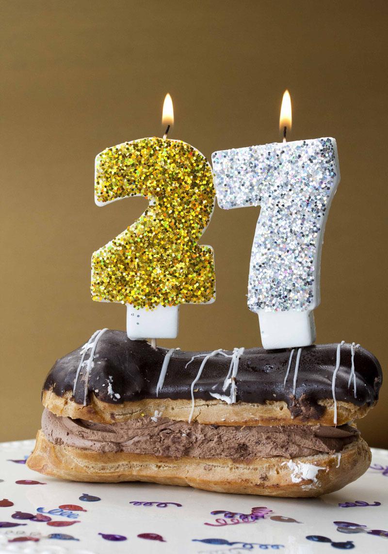 14 DIY GLITTER BIRTHDAY CANDLES