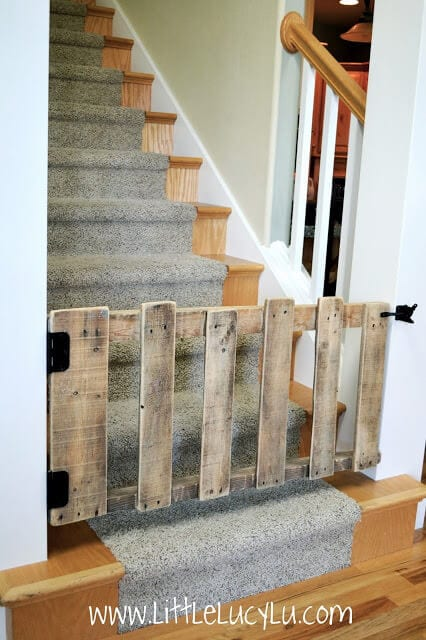 16 DIY Pallet Baby Gate