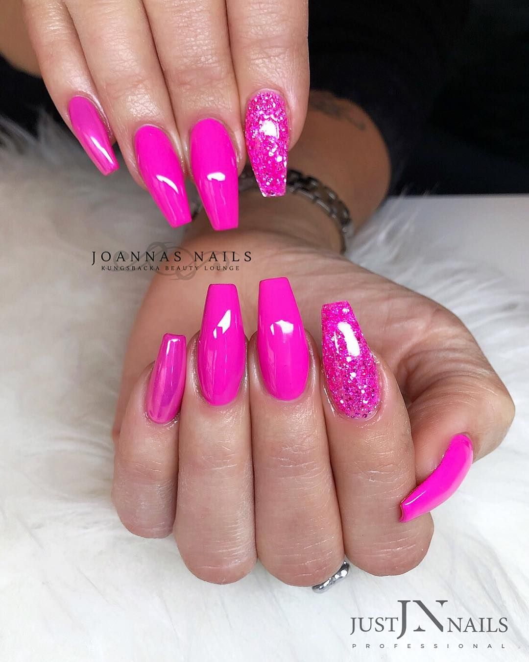 3 Pink Coffin Nail Designs