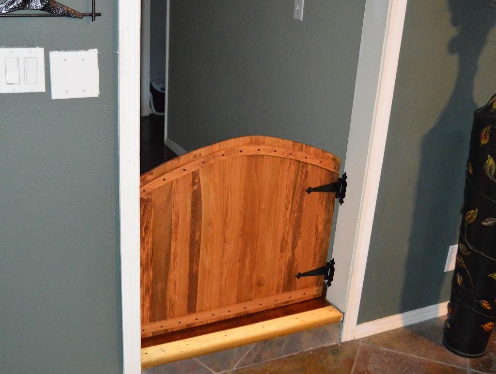 32 DIY Wooden Baby Gate