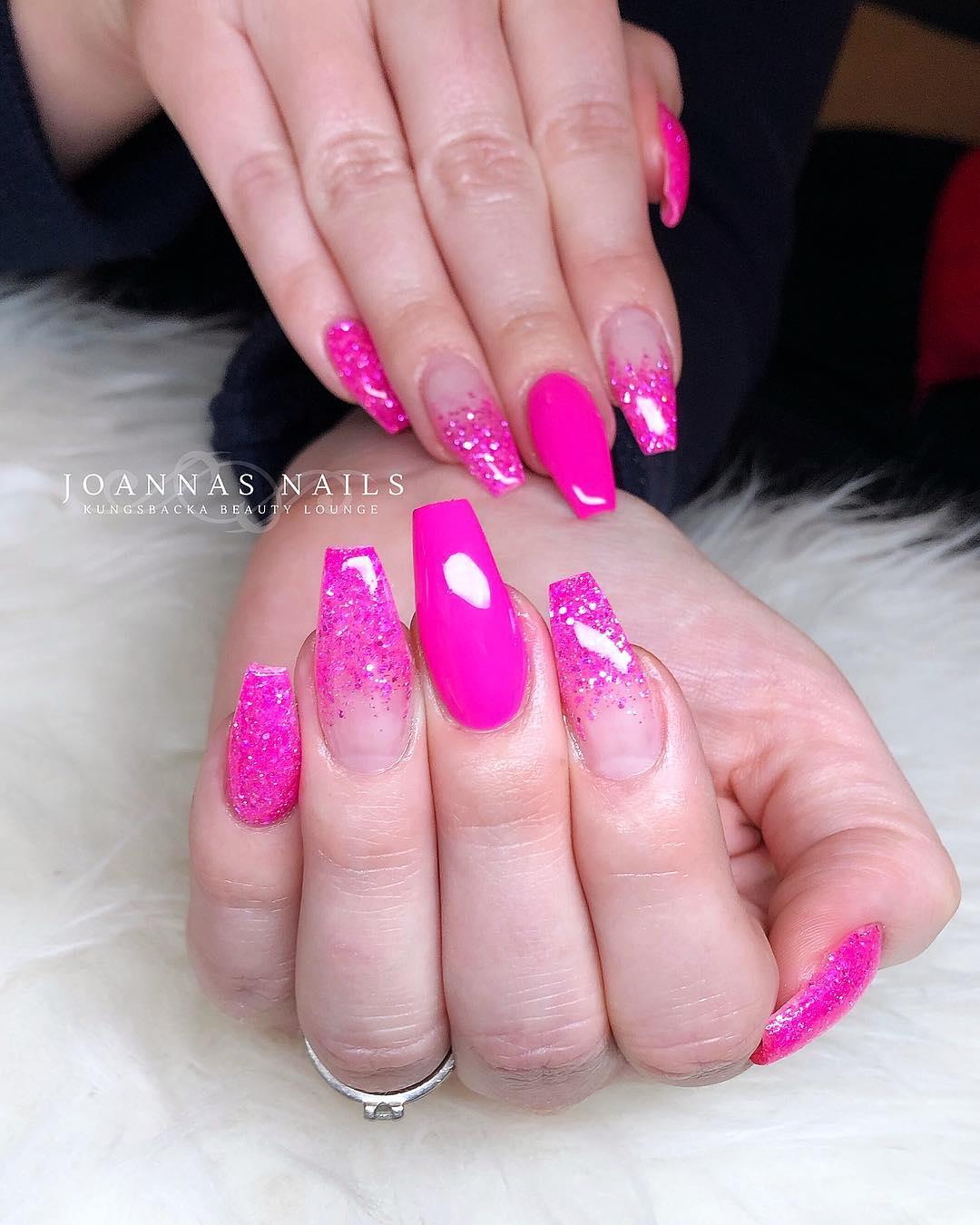 4 Pink Coffin Nail Designs
