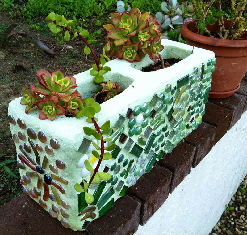 42 Magnificent Mosaic Cinder Block Planter