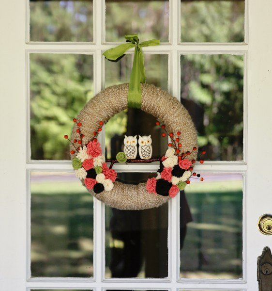 1 Make a Cute Yarn Wrapped Fall Wreath