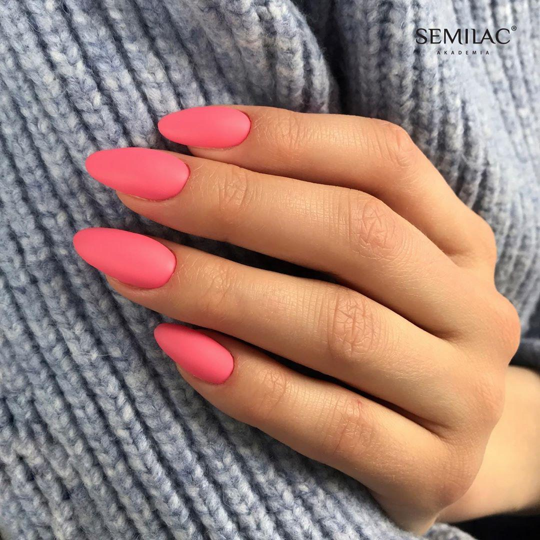 1 Matte Almond Shaped Nail Designs