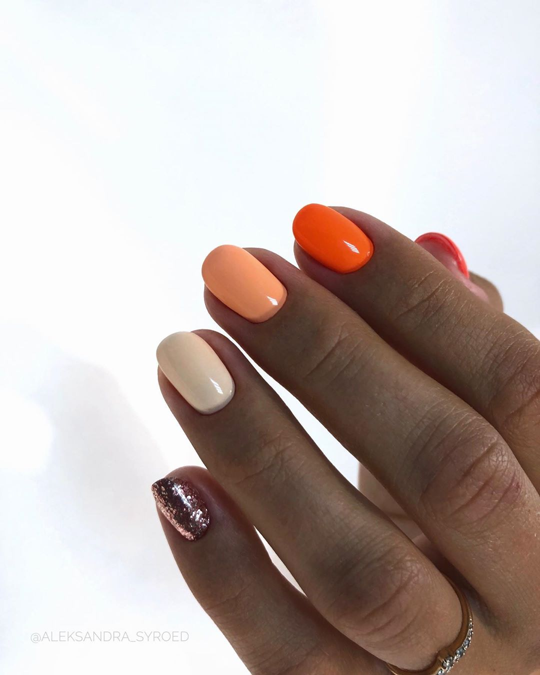 1 Short Gel Nail Designs