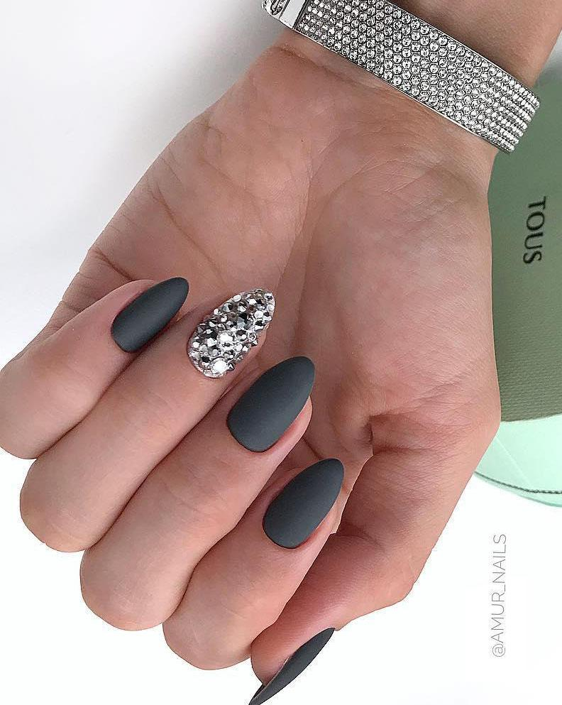 10 Matte Almond Shaped Nail Designs