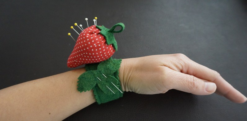 11 Strawberry Pincushion for Your Wrist