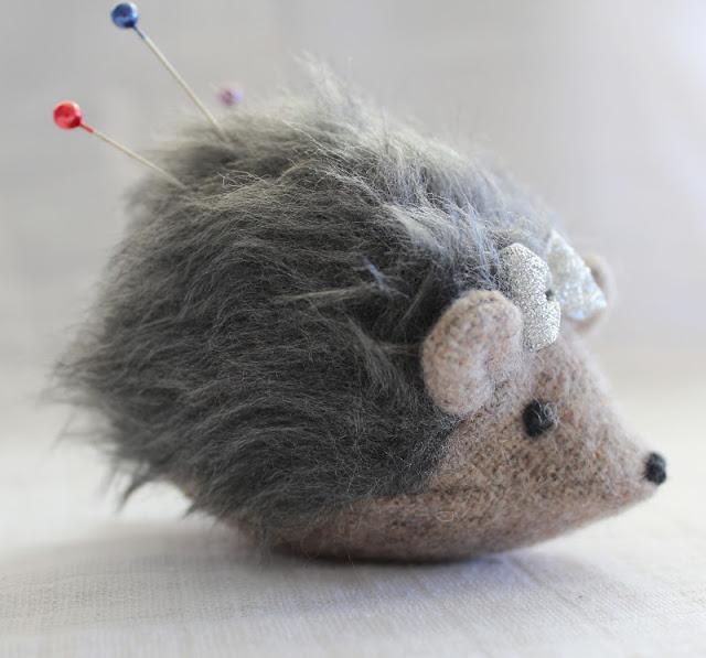 12 Hedgehog Pincushion