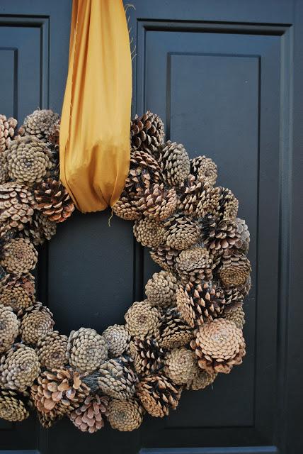 12 Pinecone Wreath