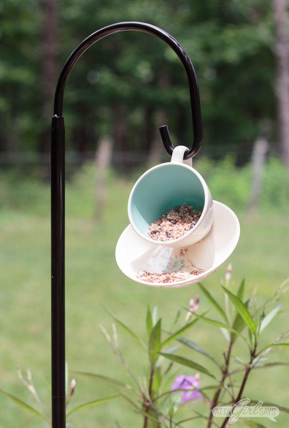 13 DIY Teacup Bird Feeder