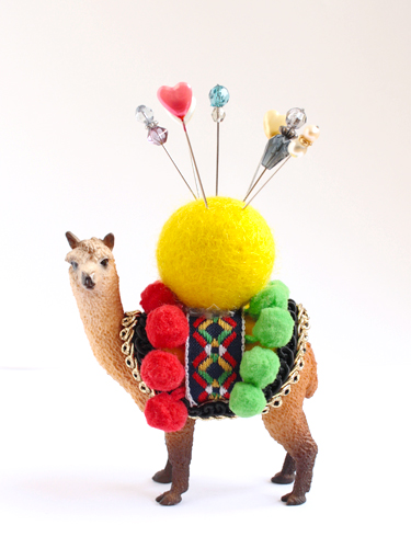 19 Plastic Animal Pin Cushion