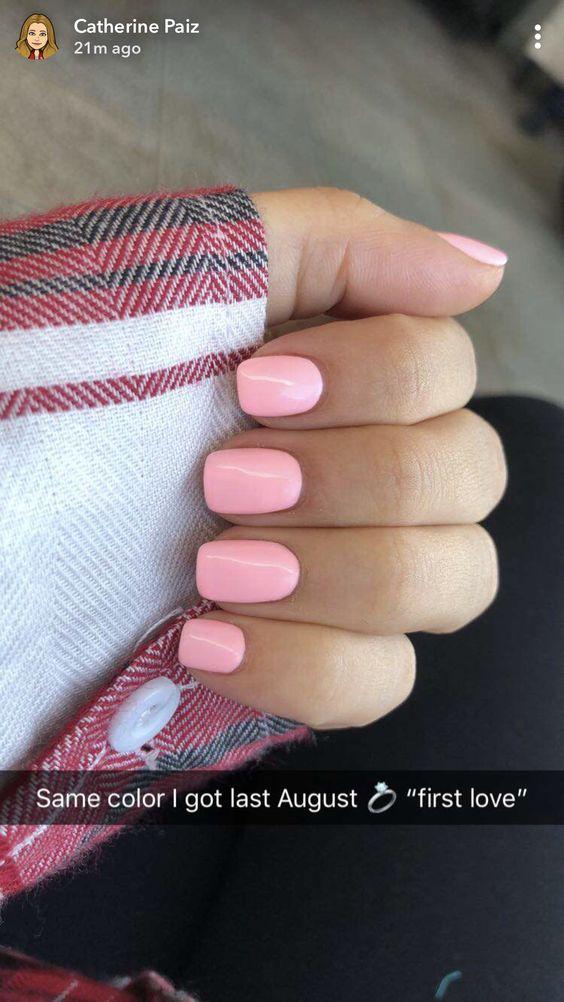 19 Short Gel Nail Designs