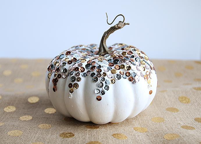 23 DIY Sequined Pumpkin