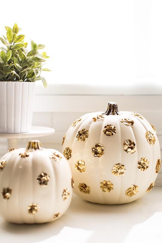 24 DIY Sequin Polka Dot Pumpkin