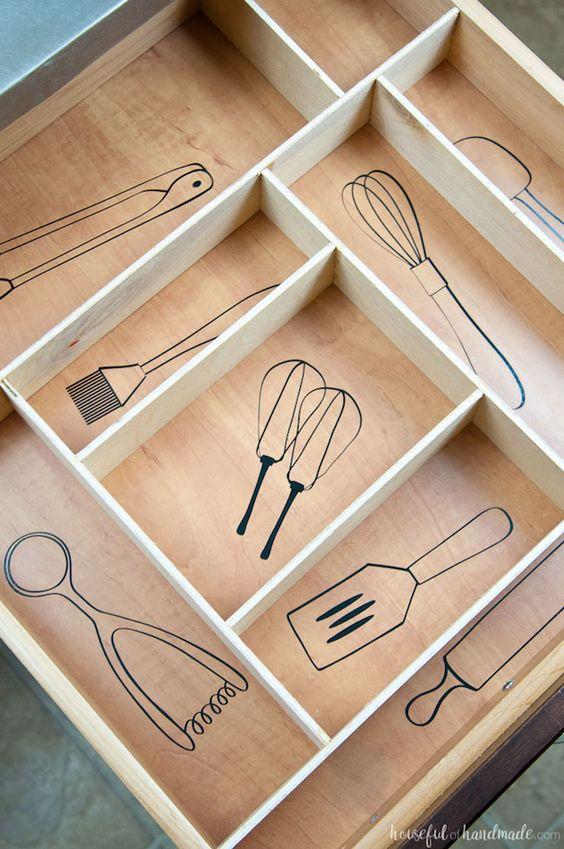 24 Kitchen Drawer Organization
