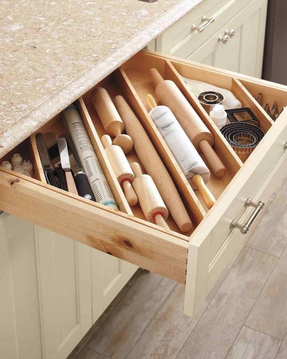 25 DIY Ideas for Impeccably Organized Drawers