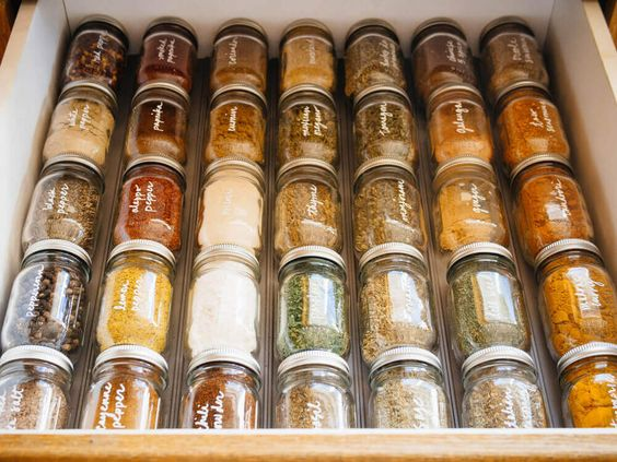 28 DIY spice drawer organization