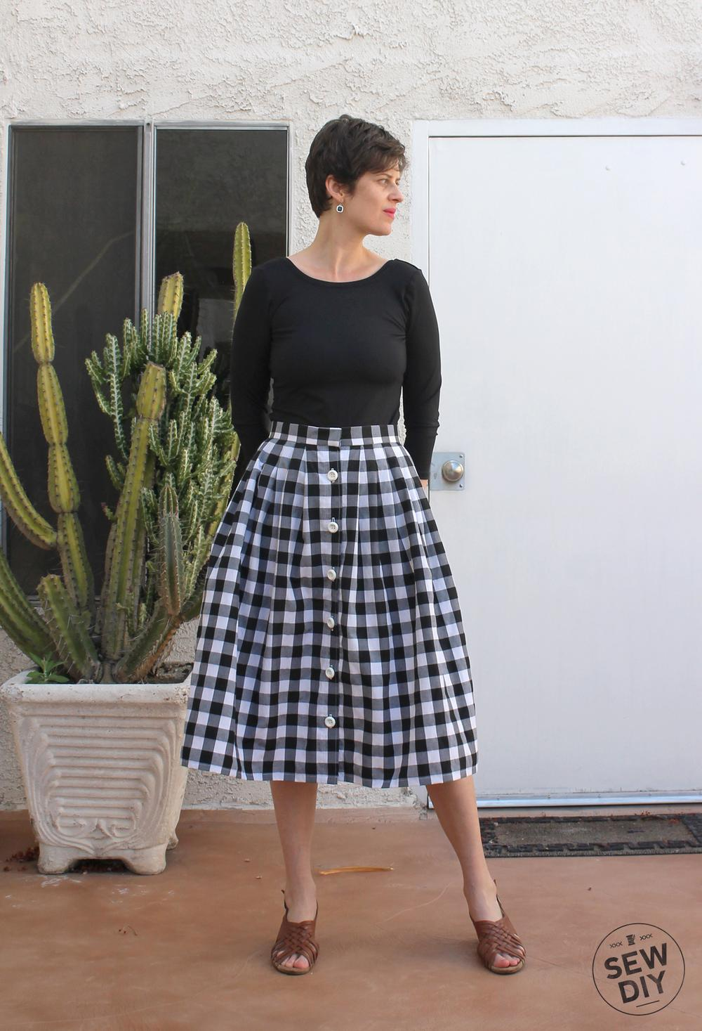 30 PLEATED BUTTON FRONT SKIRT