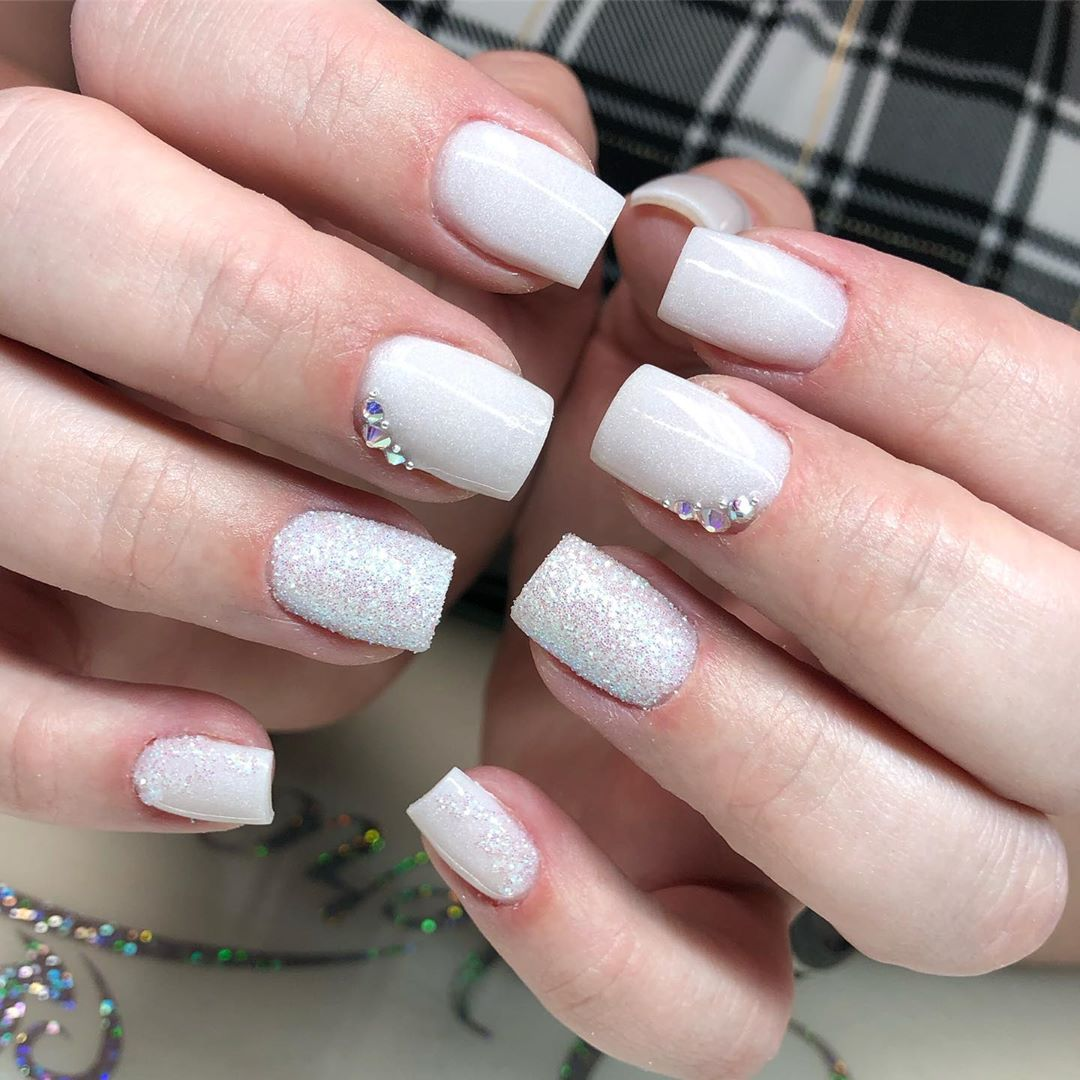 37 White Nail Art Designs