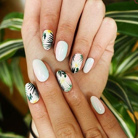 4 Leaf Nail Art Designs