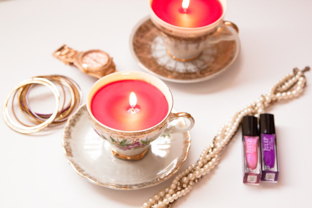 4 Turn Old Vintage Teacups into Cute Candles